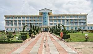 Morvarid Sadra Beach Hotel