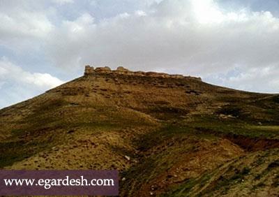 قلعه باشقورتاران کبودرآهنگ