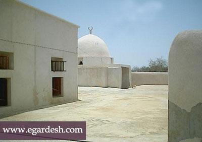 مسجد و مقبره شیخ برخ قشم
