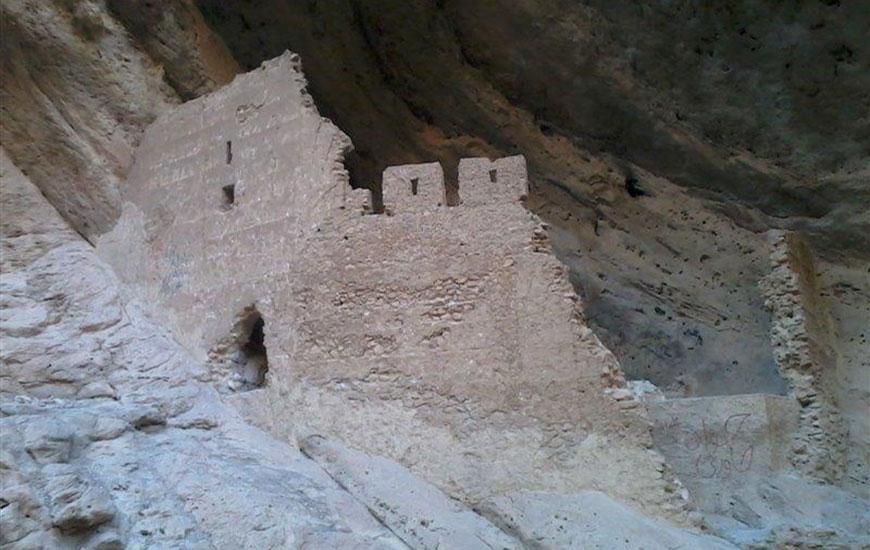 قلعه شیخ ماخو خرم آباد
