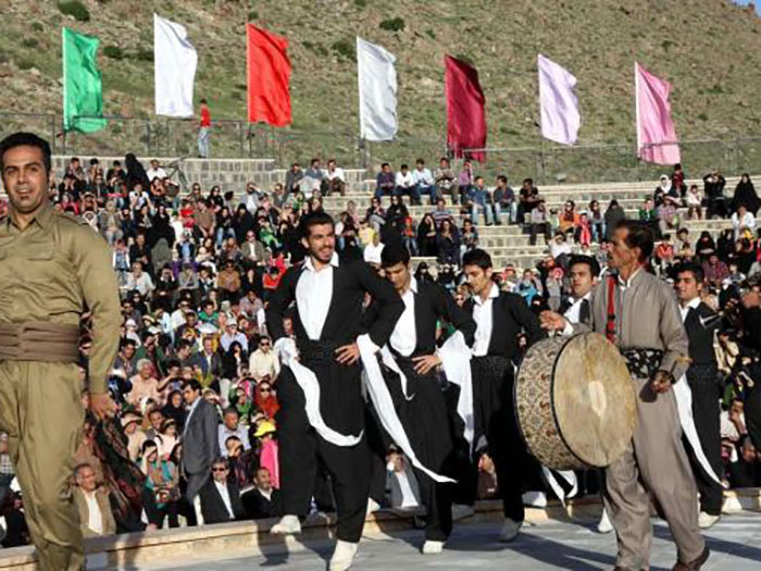 Iranian-Porridge-Festival-in-