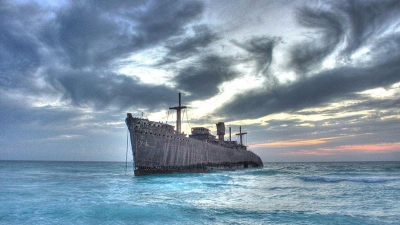السفينة اليونانية