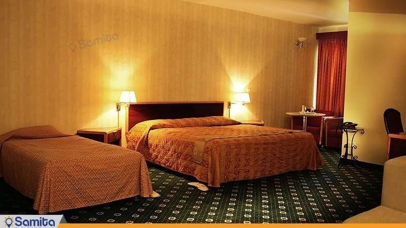 اتاق سه تخته هتل پارسیان آزادی آبادان