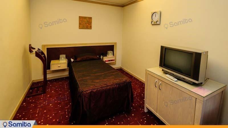 اتاق یک نفره هتل امیر کبیر اراک