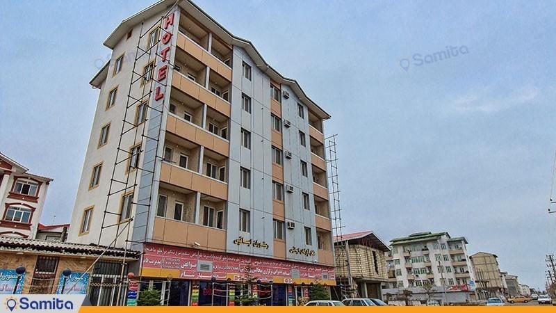 نمای ساختمان هتل آپارتمان ایساتیس آستارا