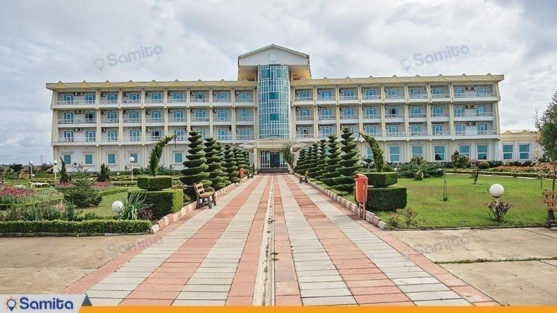 نمای ساختمان هتل ساحلی مروارید صدرا