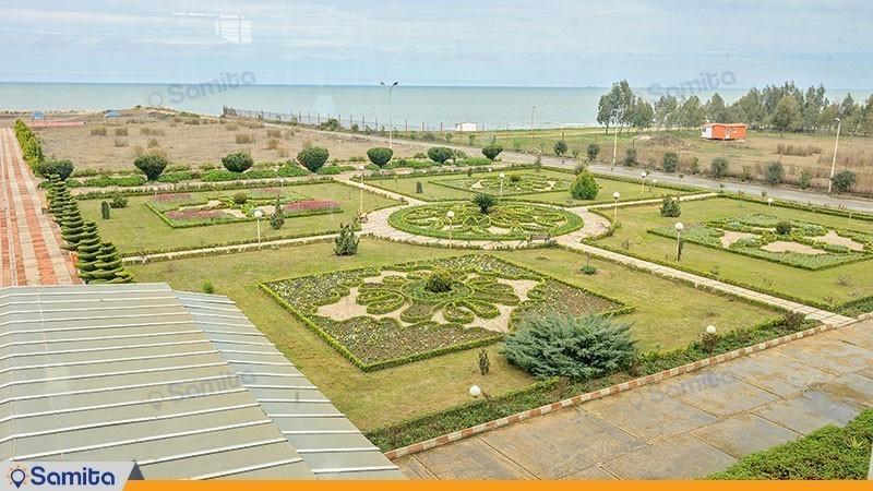 فضای سبز هتل ساحلی مروارید صدرا