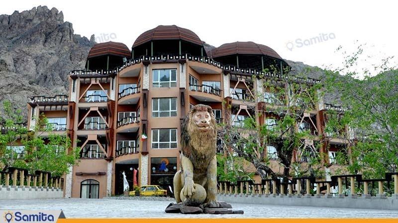 نمای ساختمان هتل بزرک کوهستان
