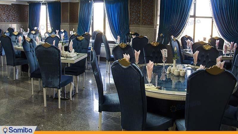 رستوران زمرد هتل بزرگ بام