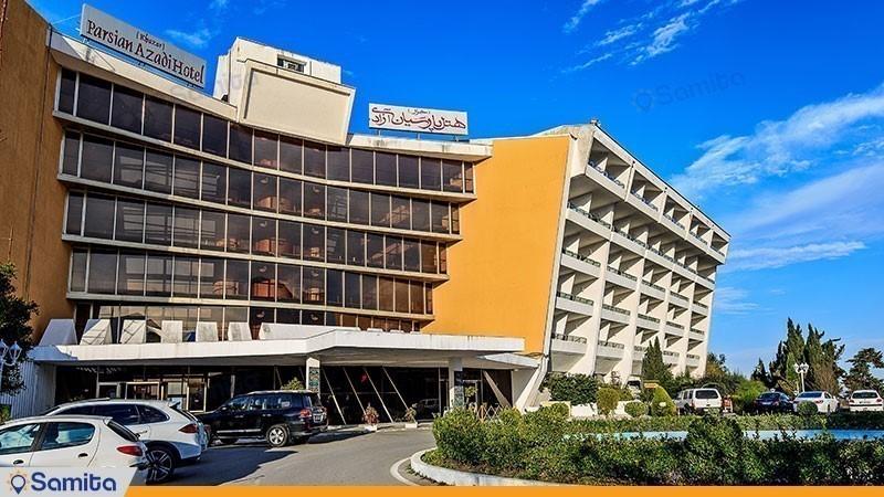 نمای ساختمان هتل پارسیان آزادی خزر