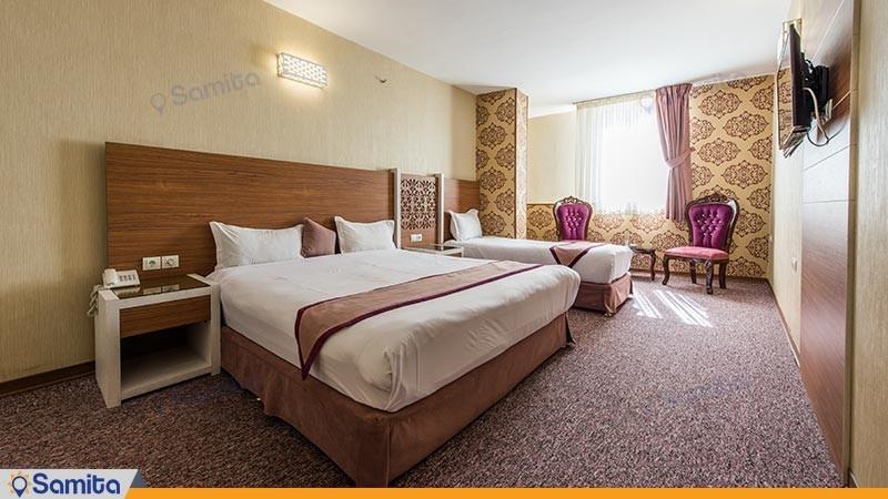 اتاق سه تخته طلایی هتل آوین