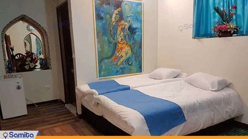 اتاق شاه نشین هتل سنتی اردیبهشت