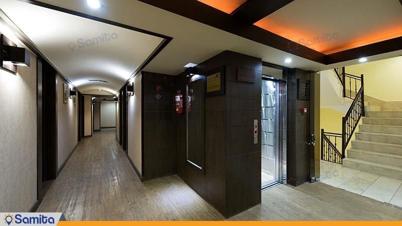 راهرو هتل شیخ بهایی