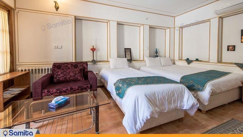 اتاق سه تخته هتل سنتی طلوع خورشید