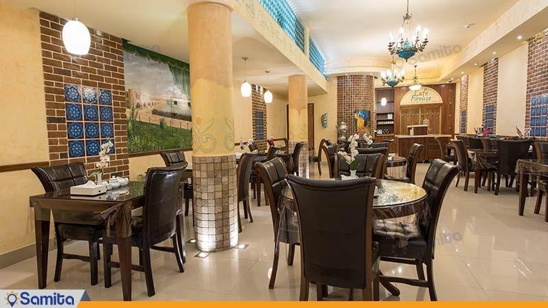 رستوران هتل توریست