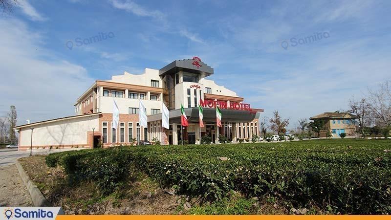 نمای ساختمان هتل مزرعه معین