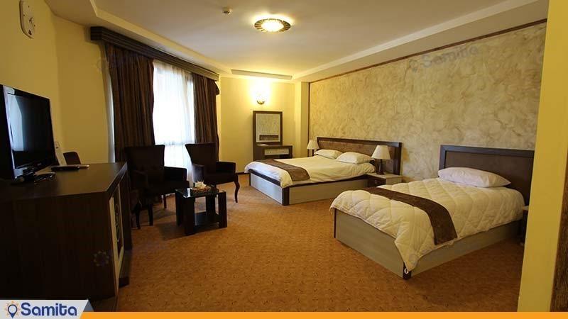 اتاق سه نفره هتل مزرعه معین