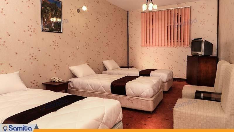 اتاق سه تخته هتل جهانگردی علیصدر