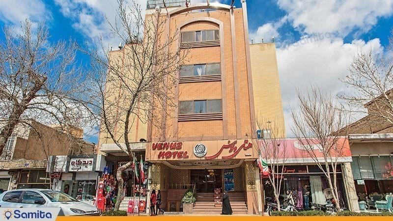 نمای ساختمان هتل ونوس اصفهان