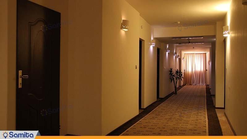 راهرو هتل نگارستان