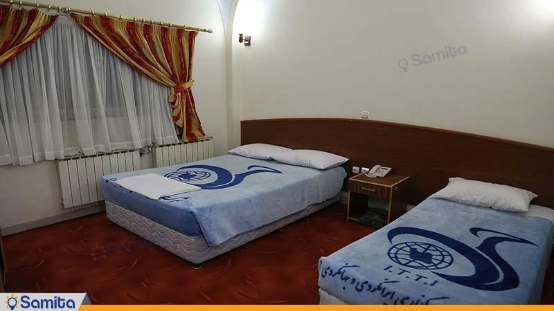 اتاق سه تخته هتل جهانگردی ماهان