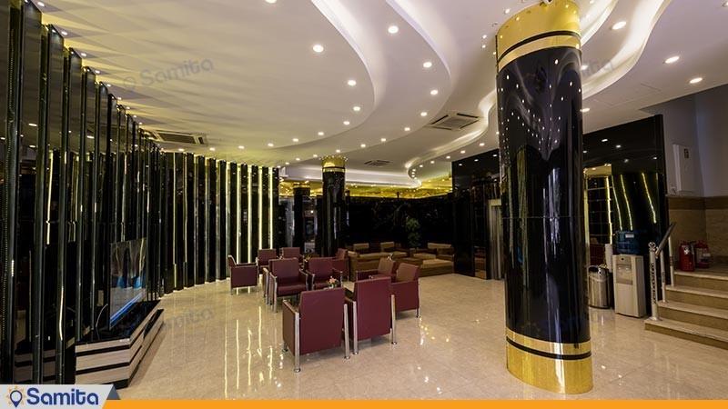 لابی هتل رنگین کمان