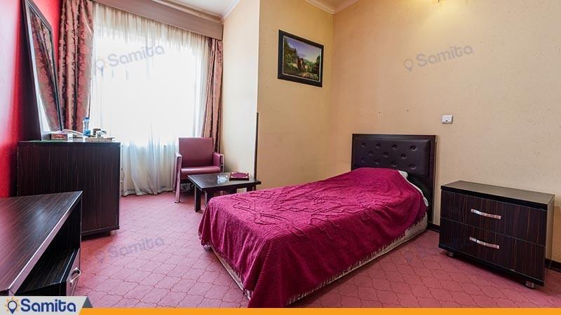 اتاق یک تخته هتل رنگین کمان
