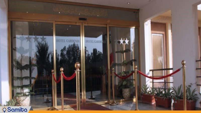 ورودی هتل گاردنیا