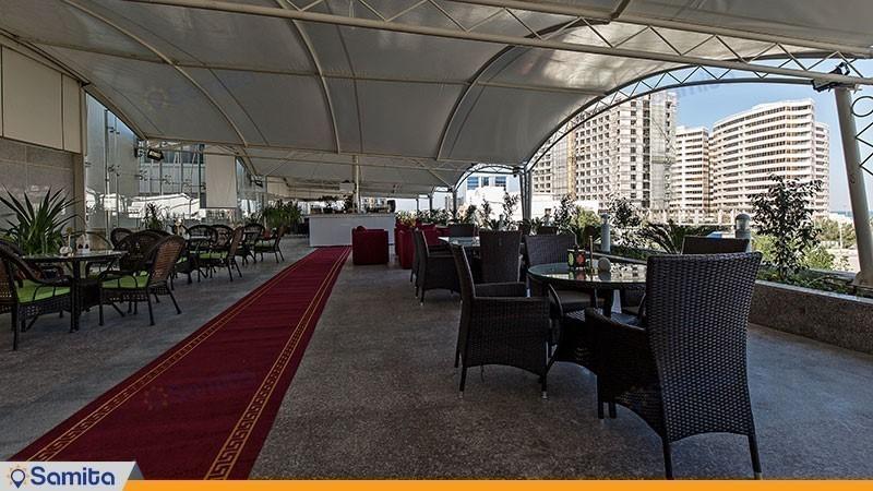 رستوران در فضای باز هتل ایران کیش