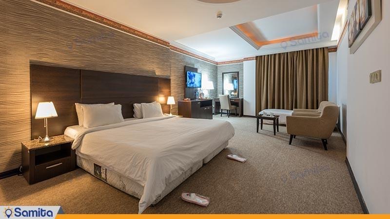 اتاق سه تخته لوکس هتل سورینت صدف