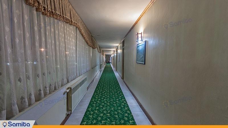 راهرو هتل جهانگردی لاهیجان