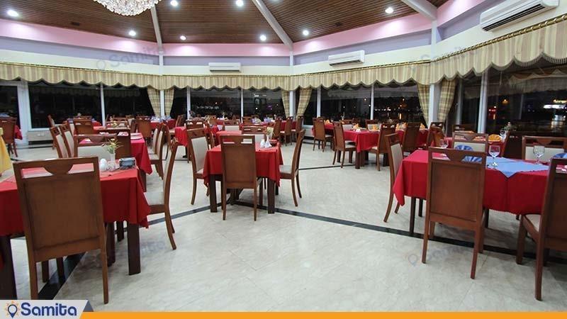 رستوران هتل جهانگردی لاهیجان