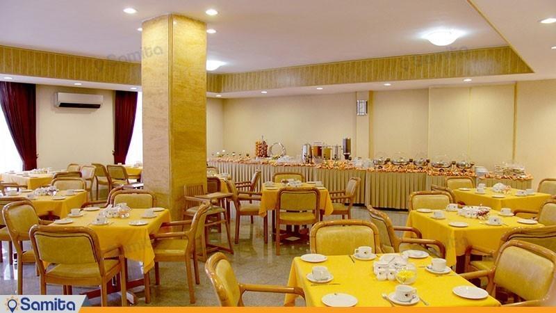 سالن صبحانه خوری هتل آبان