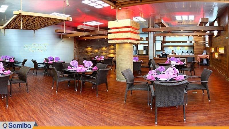 کافی شاپ استخر هتل پردیسان