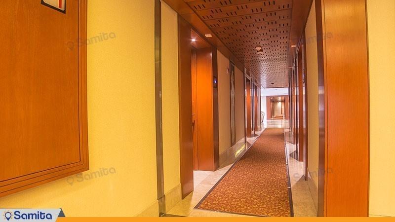راهرو هتل توس