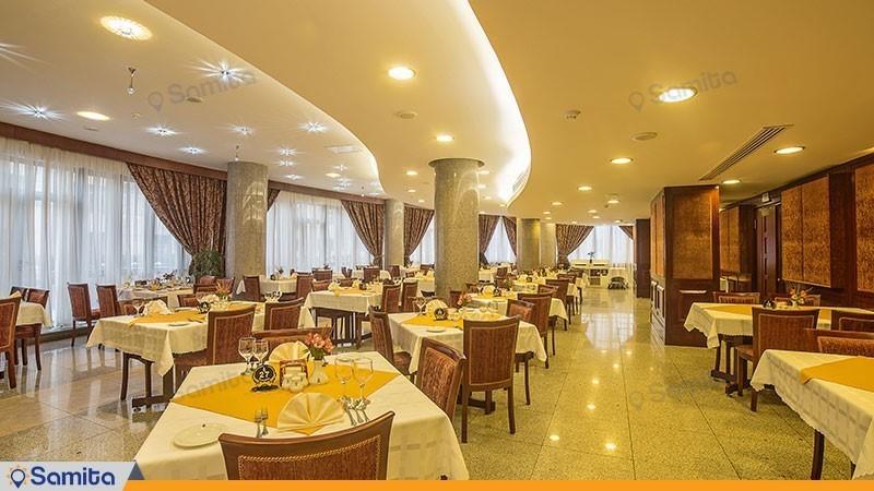 رستوران هتل توس