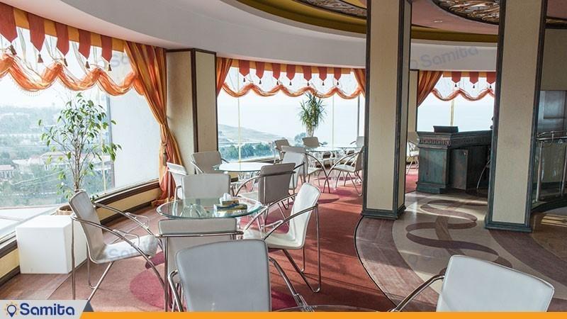رستوران گردان هتل نارنجستان