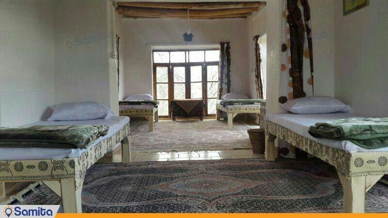 اتاق رازیانه اقامتگاه بومگردی کوشک آقا محمد