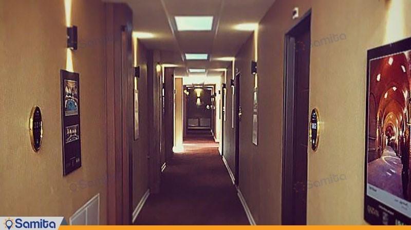 راهرو هتل ایرانیان