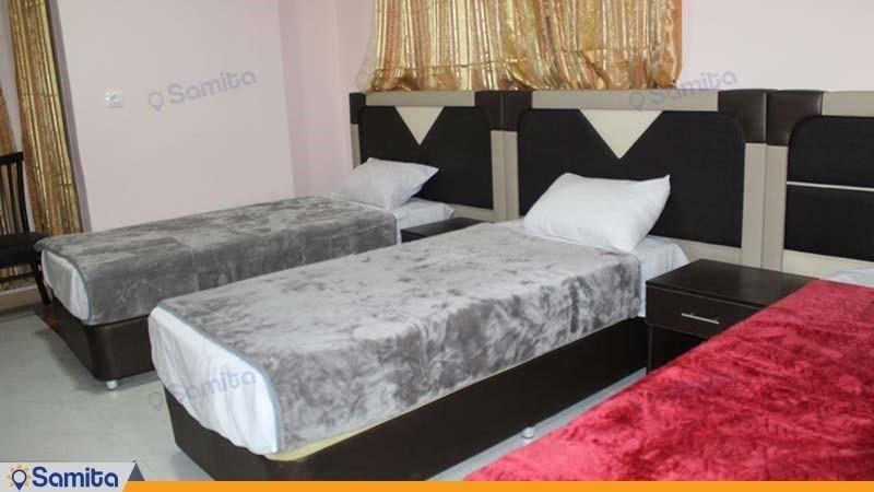اتاق سه نفره با نمای شهر هتل آلاله 2 مرکزی