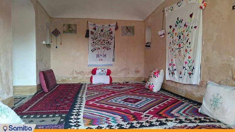 اتاق با ظرفیت 2 تا 6 نفر اقامتگاه بوم گردی کلوت کویر