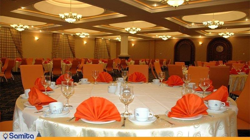 رستوران هتل بزرگ پارمیدا