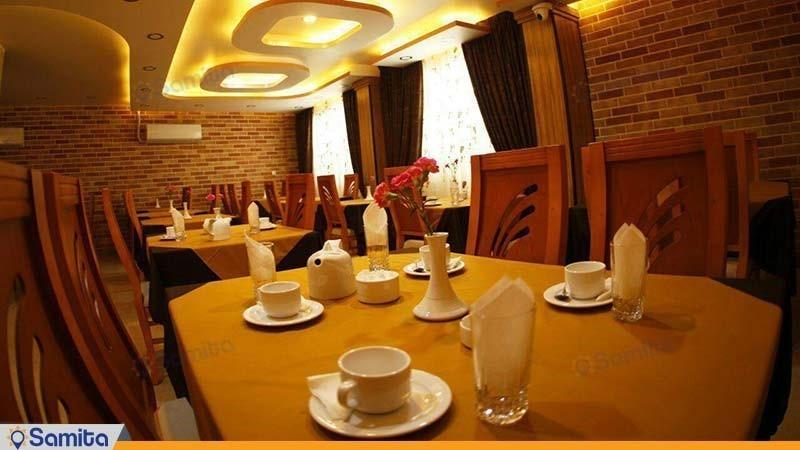 رستوران هتل نصیر الملک