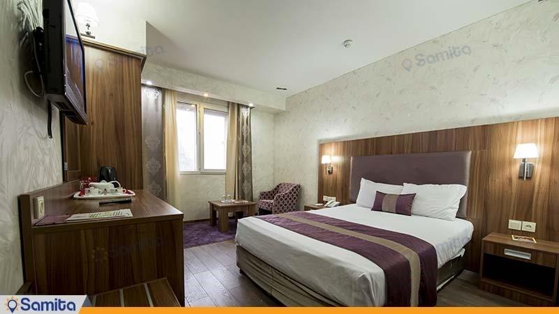 اتاق دبل هتل پارسیان شیراز