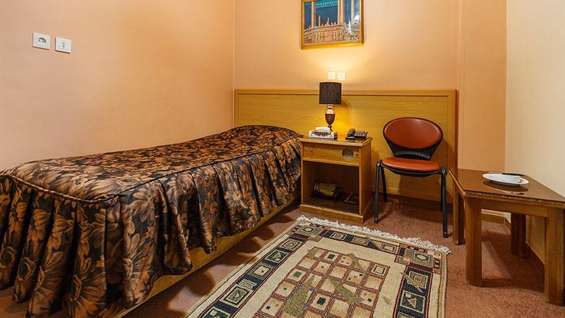 اتاق یک تخته هتل ساسان