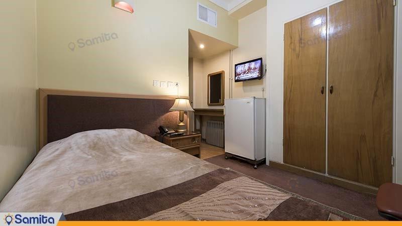 اتاق یک نفره هتل ساسان شیراز