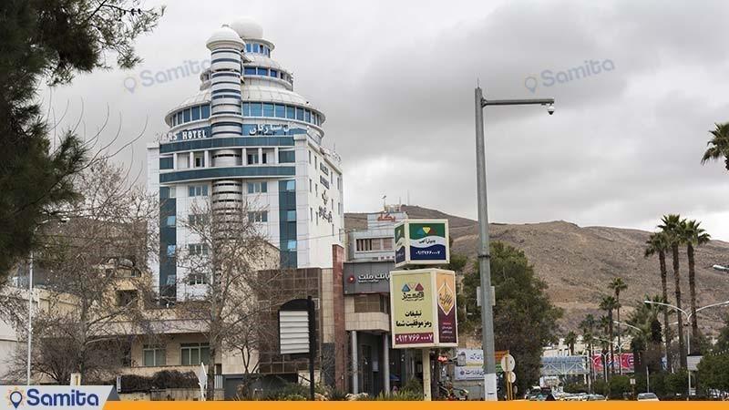 نمای ساختمان هتل ستارگان شیراز