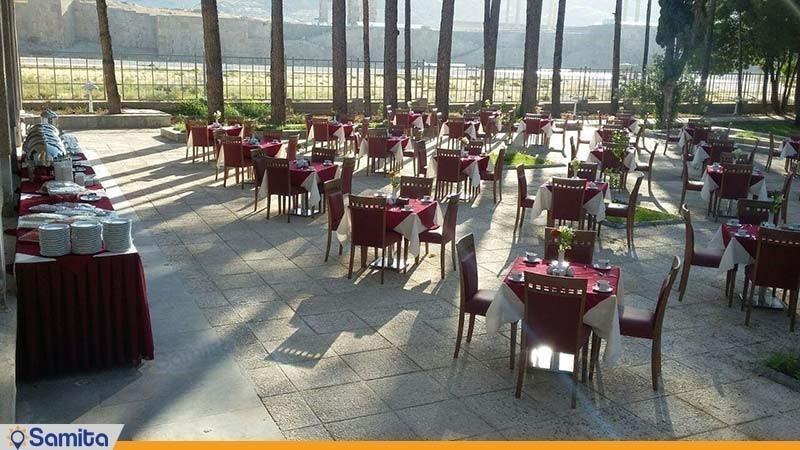 رستوران فضای باز هتل آپادانا پرسپولیس