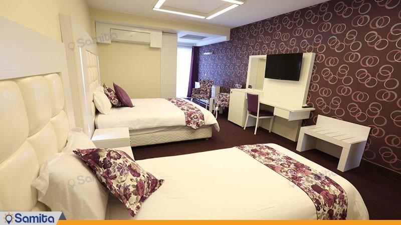 اتاق سه تخته هتل بلوط