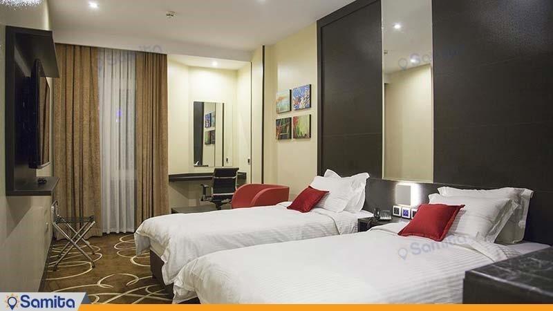 اتاق توئین دوبلکس هتل بزرگ تهران